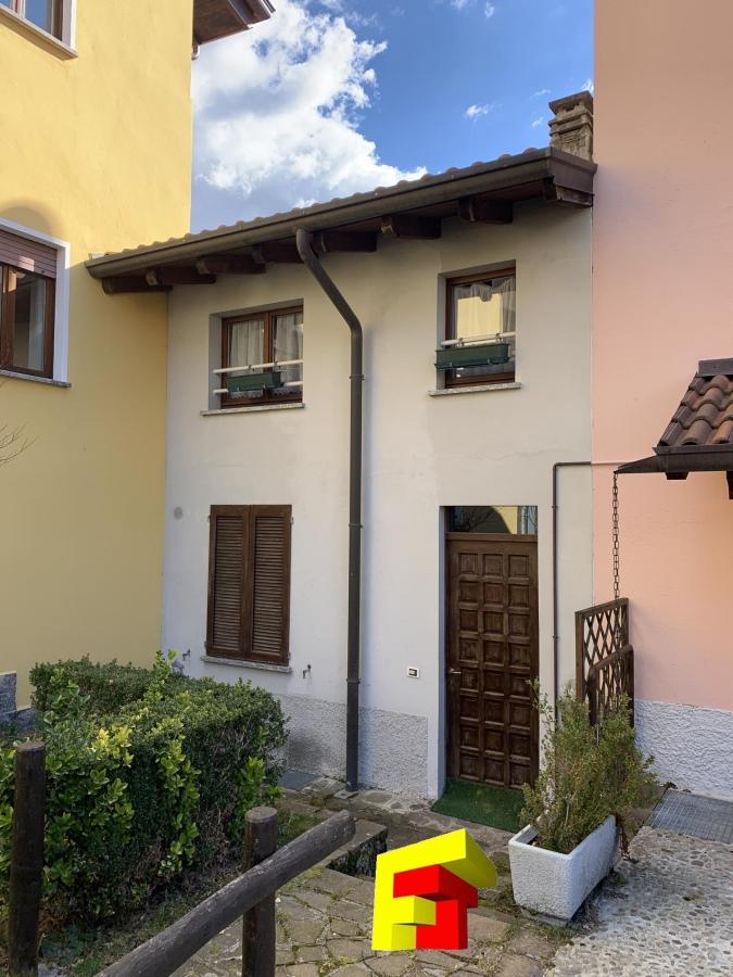Casa Indipendente vendita MOGGIO (LC) - 2 LOCALI - 60 MQ