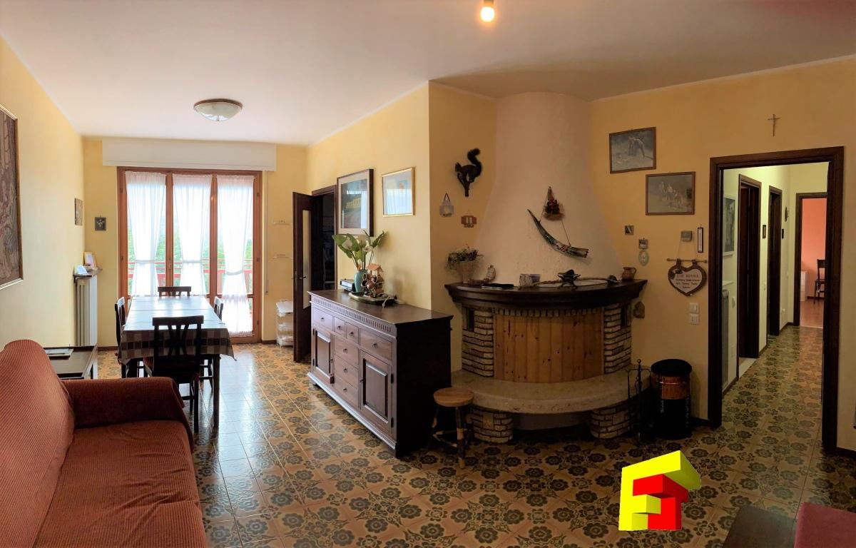 Appartamento in vendita a Moggio, 3 locali, prezzo € 85.000 | CambioCasa.it