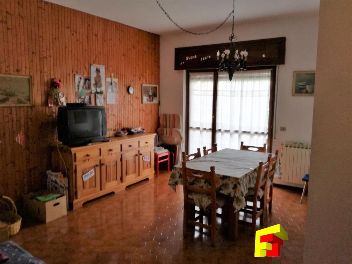 Appartamento in vendita a Cassina Valsassina, 3 locali, prezzo € 85.000 | CambioCasa.it